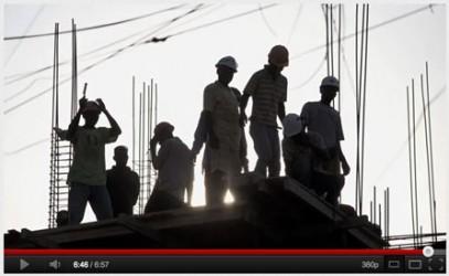 """Se youtube-filmen """"Making the most of the debris in Haiti"""" som handlar om återuppbyggnadsarbetet två år efter jordbävningskatastrofen."""