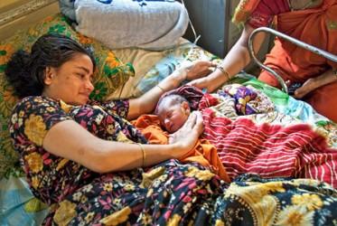 I Bangladesh har man satsat stort på att förbättra mödrahälsan. Foto: William Ryan/UNFPA
